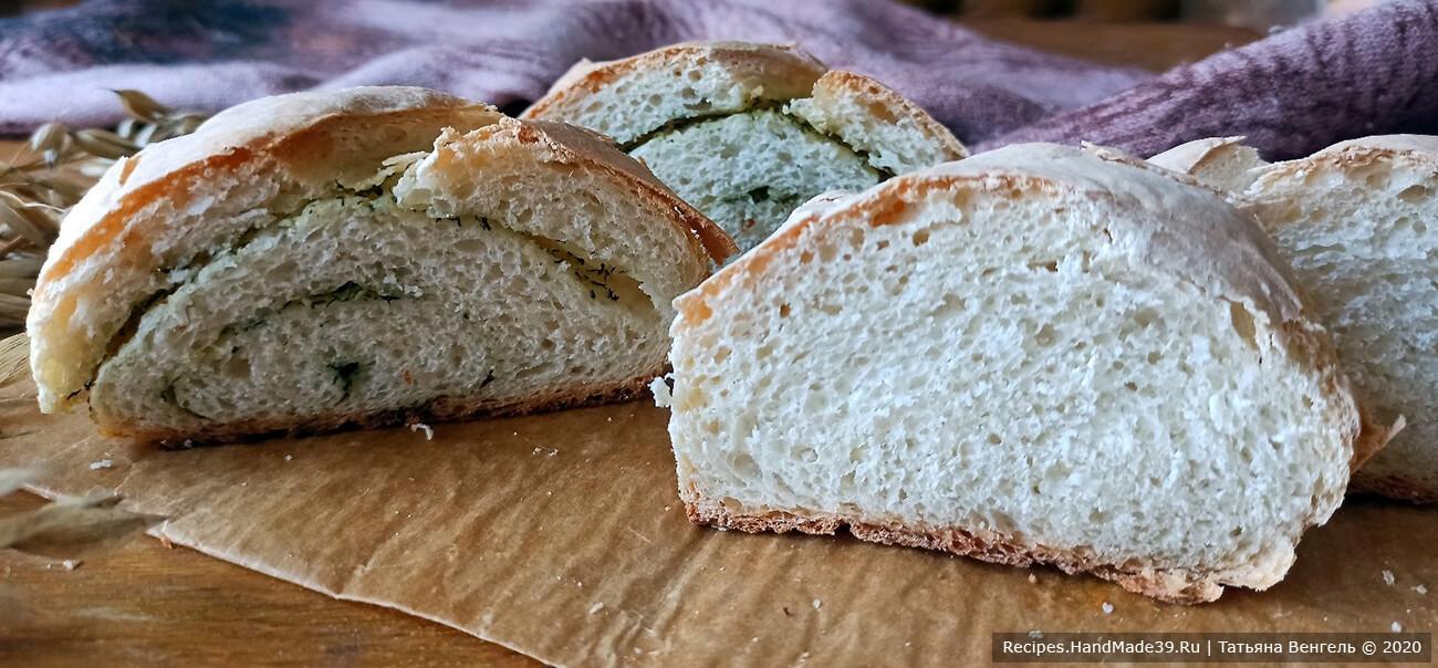 Дрожжевой хлеб на картофельном отваре выпекать 30 минут в духовке, разогретой до температуры 180 °C