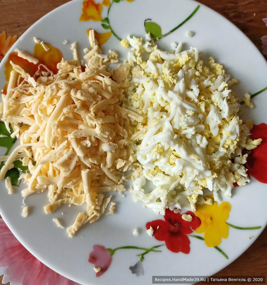 Хачапури по-аджарски с сулугуни и творогом – фото шаг 7