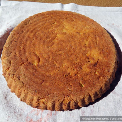 Пирог с морковью, яблоками, творогом – фото шаг 11