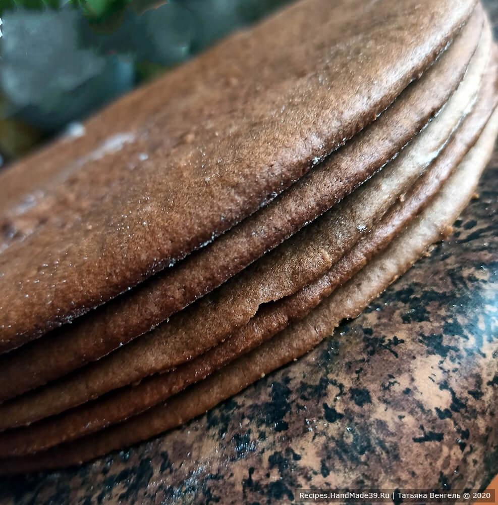 Торт шоколадный медовик – фото шаг 8
