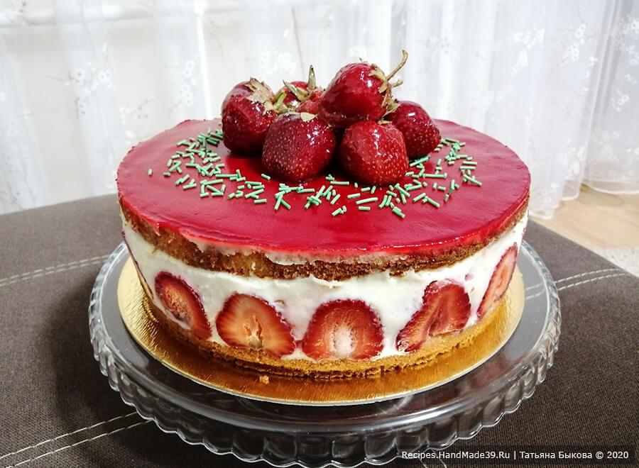 Торт Фрезье с заварным кремом Муслин и клубникой