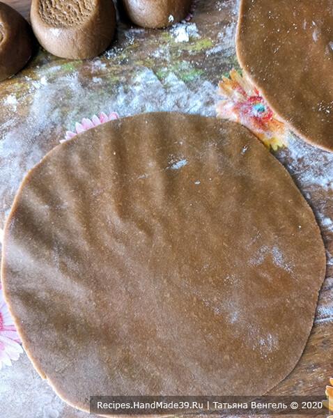 Медовик с кремом «Пломбир» – фото шаг 7