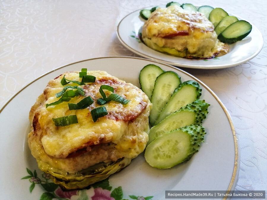 «Капустный бургер» – капуста, запечённая с фаршем