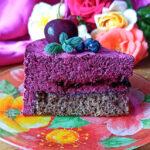Бисквитный торт с зефирным муссом и черничной прослойкой