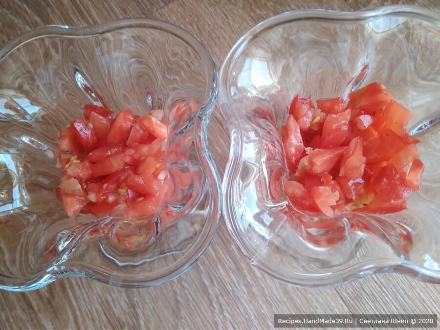 Слоёный салат из помидоров, сыра и яиц – фото шаг 5. Салат выкладывается слоями. 1-й слой – помидоры