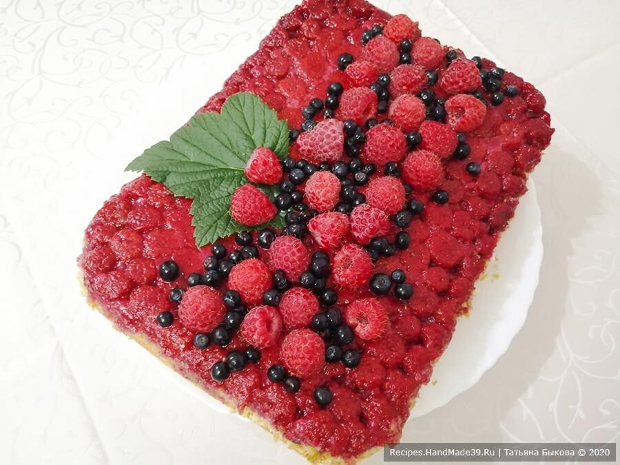Пирог с малиной – фото шаг 13. Малиновый пирог можно оставить и в таком виде, можно украсть свежими ягодами