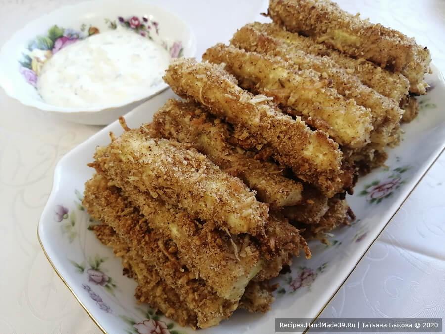 Кабачковые палочки – фото шаг 8. Особо вкусными палочки получаются, если подавать их с домашним сметанным соусом