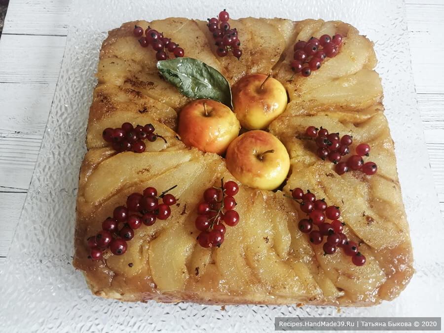 Пирог с рикоттой – фото шаг 13. Готовому пирогу даём немного постоять в форме и переворачиваем на блюдо