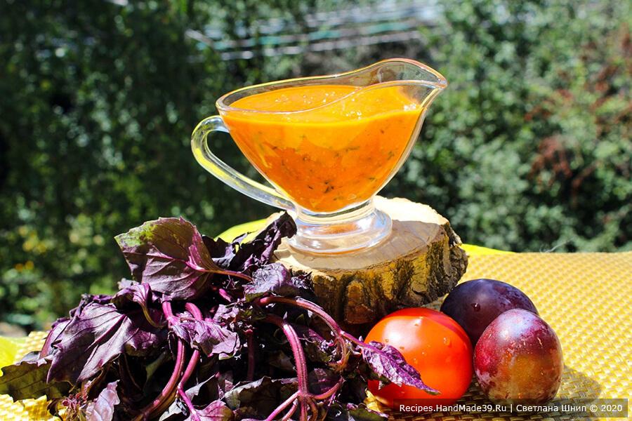 Томатно-сливовый соус с базиликом