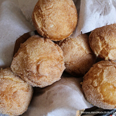 Творожные пончики «Абрикосы» – фото шаг 10. Излишек масла удалить бумажными салфетками