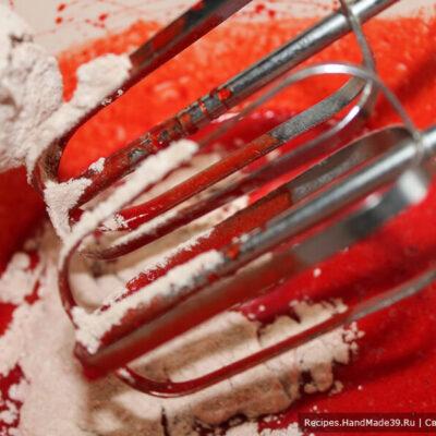 Печенье «Красный бархат» – фото шаг 5. Замесить тесто (оно слегка липнет к рукам)