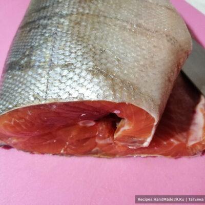 Слабосолёный лосось с апельсином – фото шаг 1. Красную рыбу почистить