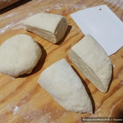 Красивая самса с мясом – фото шаг 3. Приготовление самсы: разделить тесто на 3 или 4 части