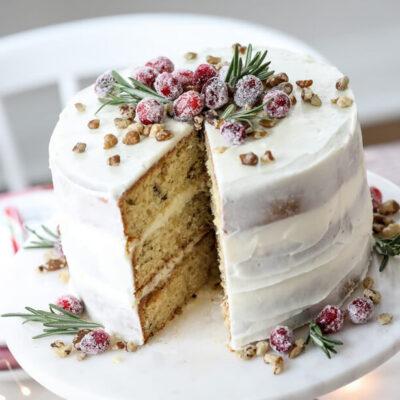 Рождественский торт с грецкими орехами