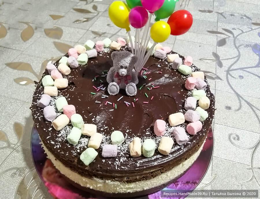 Шоколадный бисквитный торт «Баунти» с заварным кокосовым кремом