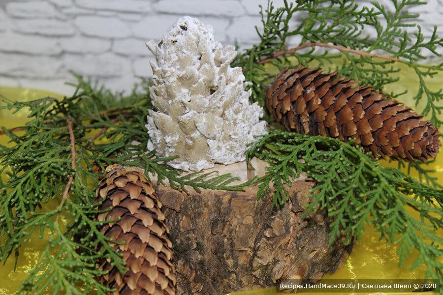 Пирожное «Картошка» из печенья и сгущёнки – фото шаг 12. По желанию присыпать шишки кокосовой стружкой. Приятного аппетита!