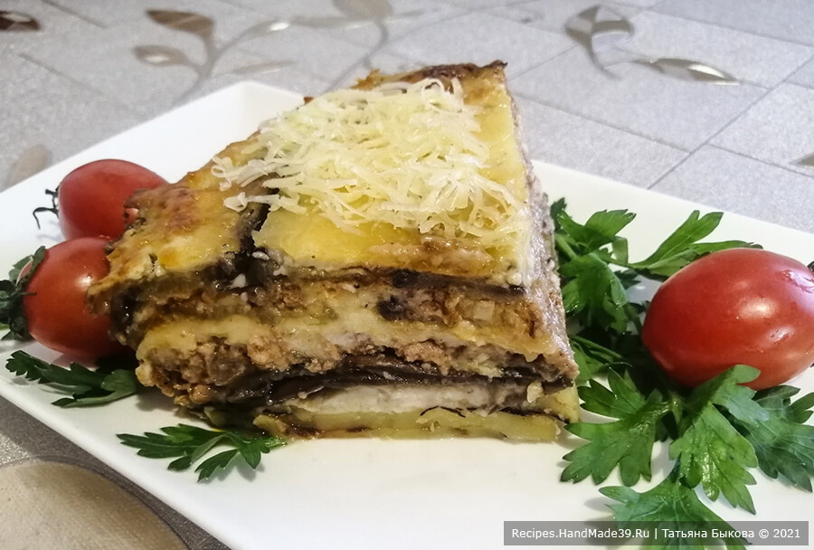 Мусака по-болгарски с картофелем и фаршем