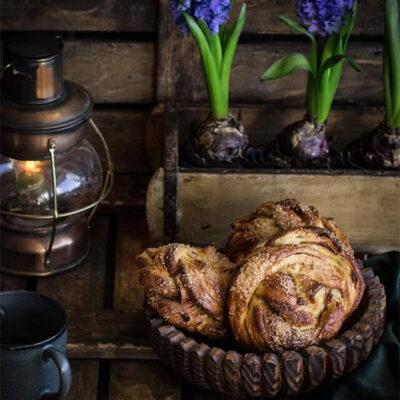 Дрожжевые булочки без яиц, сливочного масла и молока – пошаговый рецепт с фото
