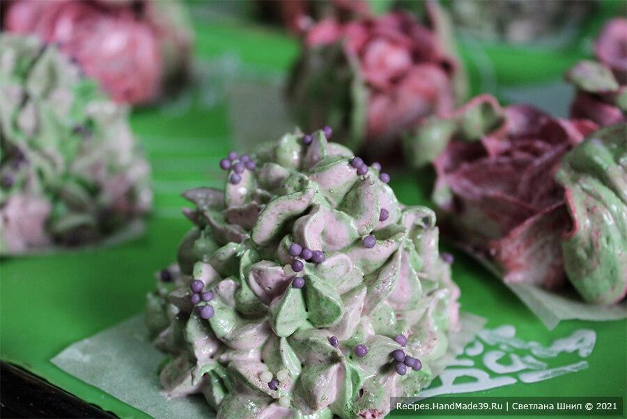 Вишнёвый зефир «Цветы» – фото шаг 11. Для гортензии используйте насадку «малая звезда»