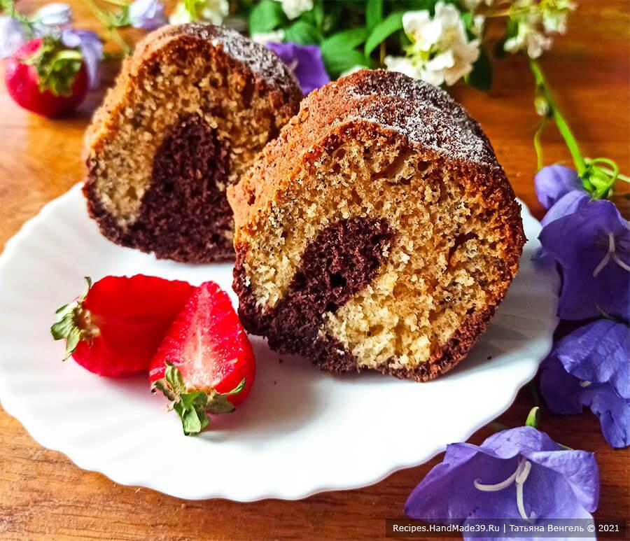 Пышный кекс на кефире с маком и какао