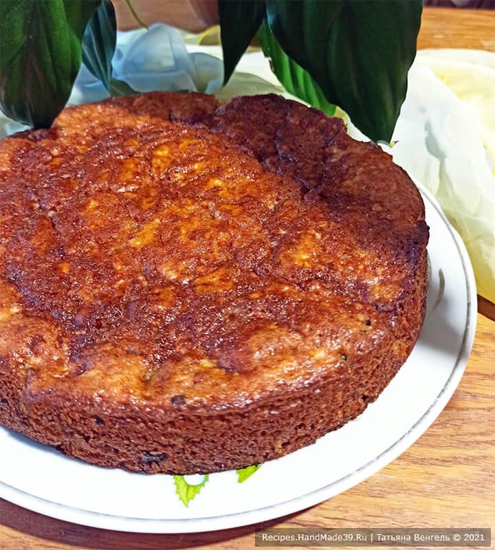 Пирог из творожного теста с ягодами – фото шаг 8. Выпекать пирог около 40 минут в духовке, разогретой до температуры 180 °C. Приятного аппетита!