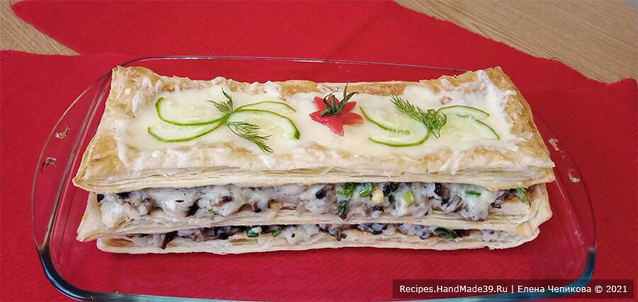 Закусочный торт «Наполеон» – фото шаг 18. Украсить по желанию. Приятного аппетита!