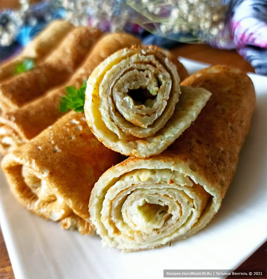 Кабачковые блины – фото шаг 7. Подавать кабачковые блины со сметаной или сливочным маслом. Приятного аппетита!