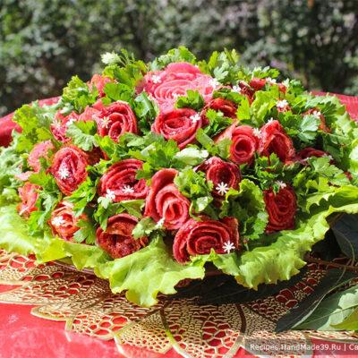 Салат с блинами «Букет роз» – пошаговый кулинарный рецепт с фото